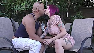 Eager Anna Bell Parks sucking an ebony johnson